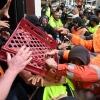 ΕΚΤΑΚΤΟ! Ο λαός της Αυστραλίας σε μετωπική Σύγκρουση με τη ΝΤΠ! Μια ανάσα από την Ελευθερία! Υπό παραίτηση ο κυβερνήτης της Βικτώρια, στο Σύδνεϋ συνεδριάζει αύριο το Αυστραλιανό Ανώτατο Δικαστήριο